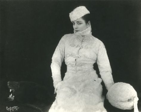 Valeska Surratt, 1916