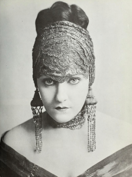 Gloria Swanson, 1919